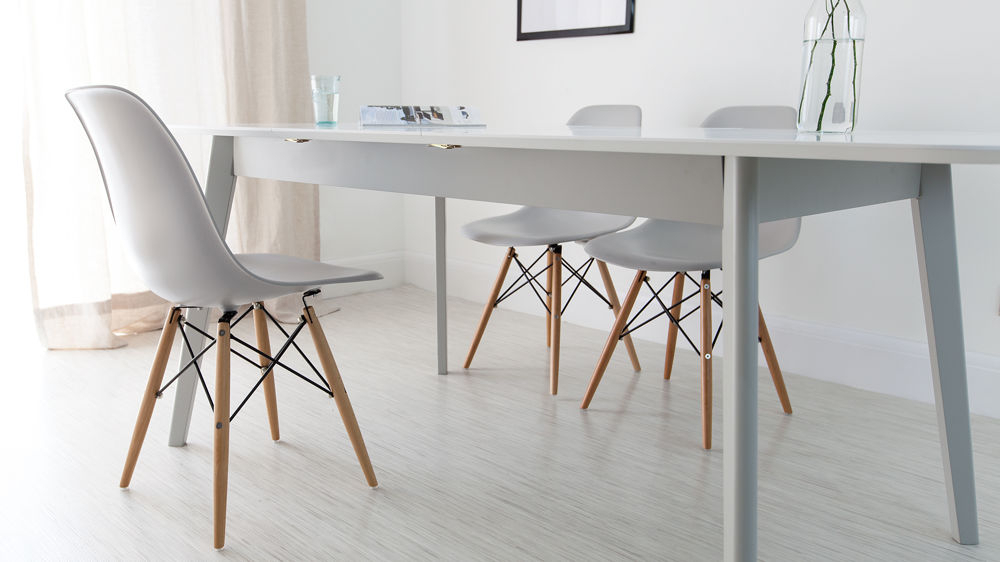 Attractive Eame Style Dining Table Charle Ray White Round With Regard To Eames Style Dining Tables With Wooden Legs (View 17 of 25)