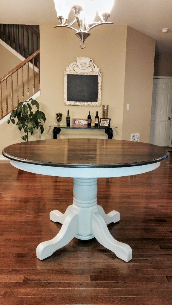 Beautiful Solid Oak Table (Image 4 of 25)