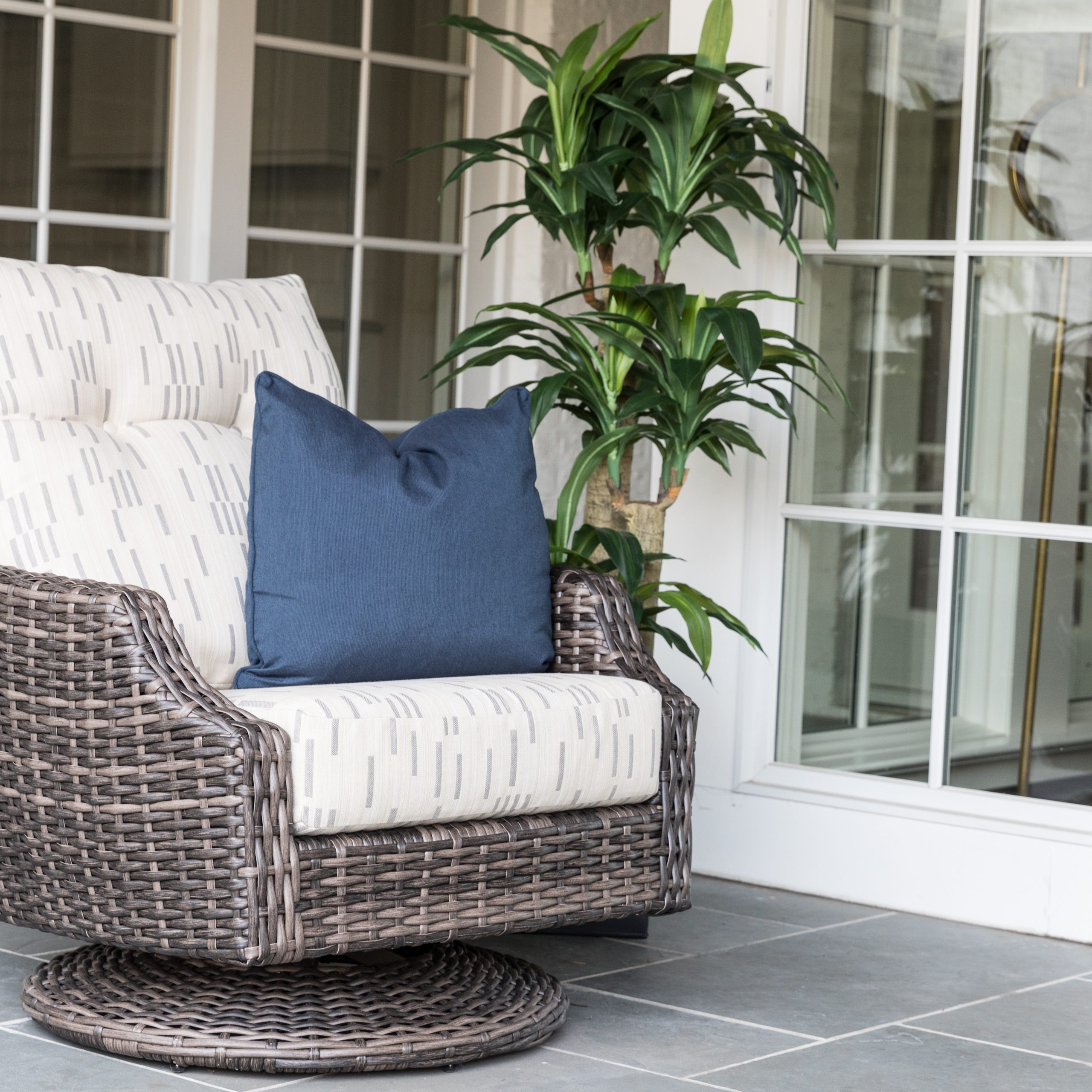 Item | Lloyd Flanders – Premium Outdoor Furniture In All For Woven High Back Swivel Chairs (Image 11 of 25)