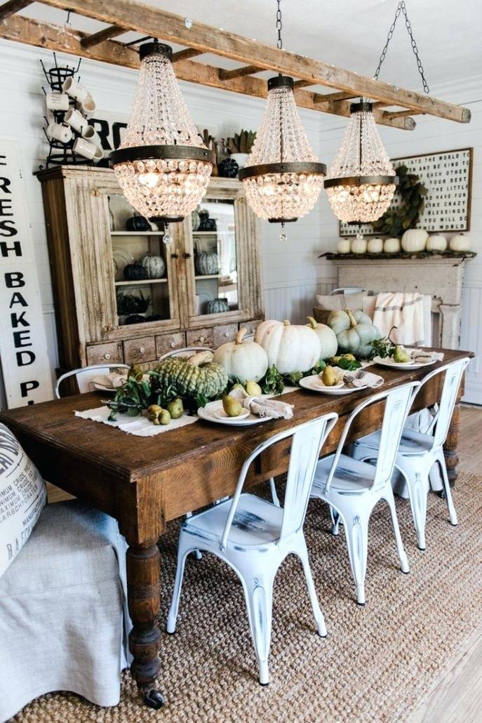 Featured Image of Medium Elegant Dining Tables