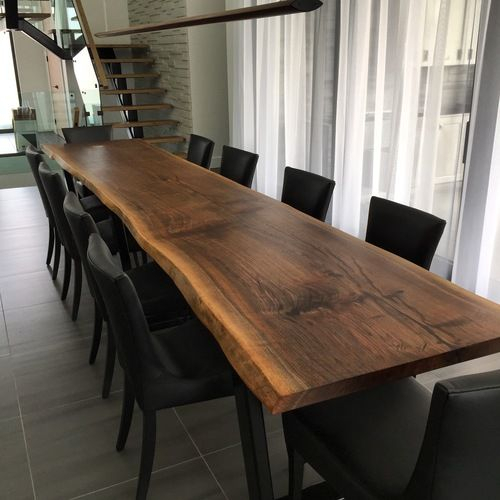 Featured Image of Walnut Finish Live Edge Wood Contemporary Dining Tables