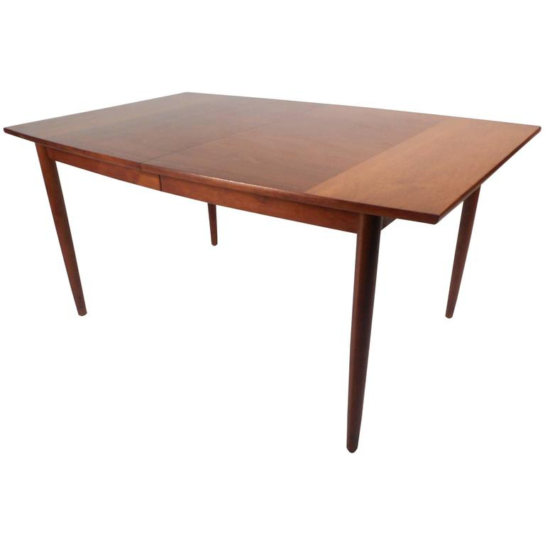 Mid Century Modern Walnut Dining Tabledrexel With Regard To Dining Tables With Stained Ash Walnut (View 23 of 25)
