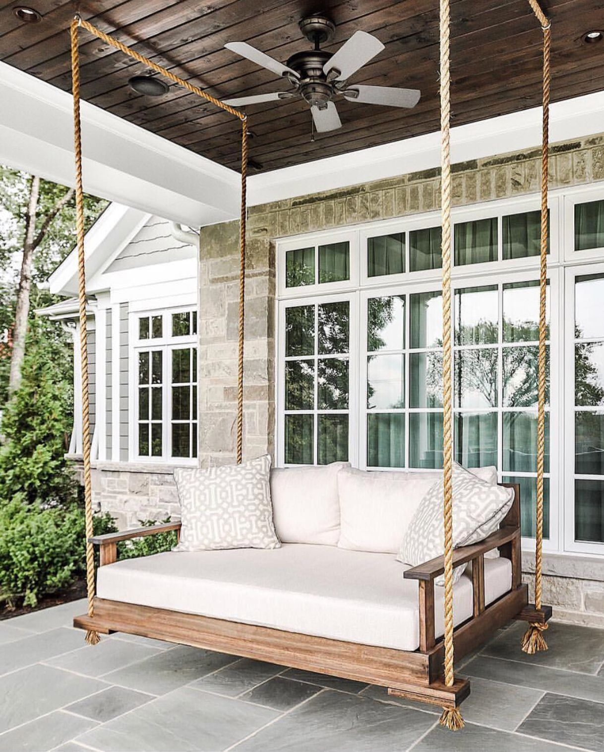 Featured Image of Outdoor Porch Swings
