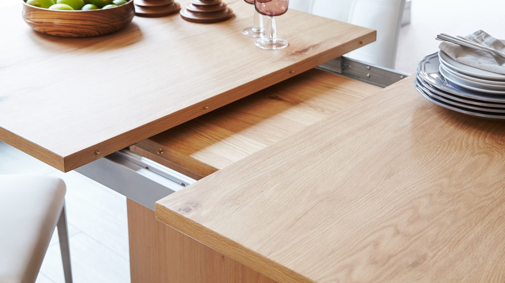 Sanza Oak Extending Dining Table Throughout Extension Dining Tables (View 4 of 25)