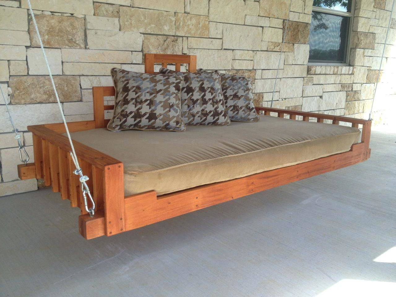 Scenic Swinging Porch Bed Swing Plans Living Room Hanging With Day Bed Porch Swings (Image 23 of 25)