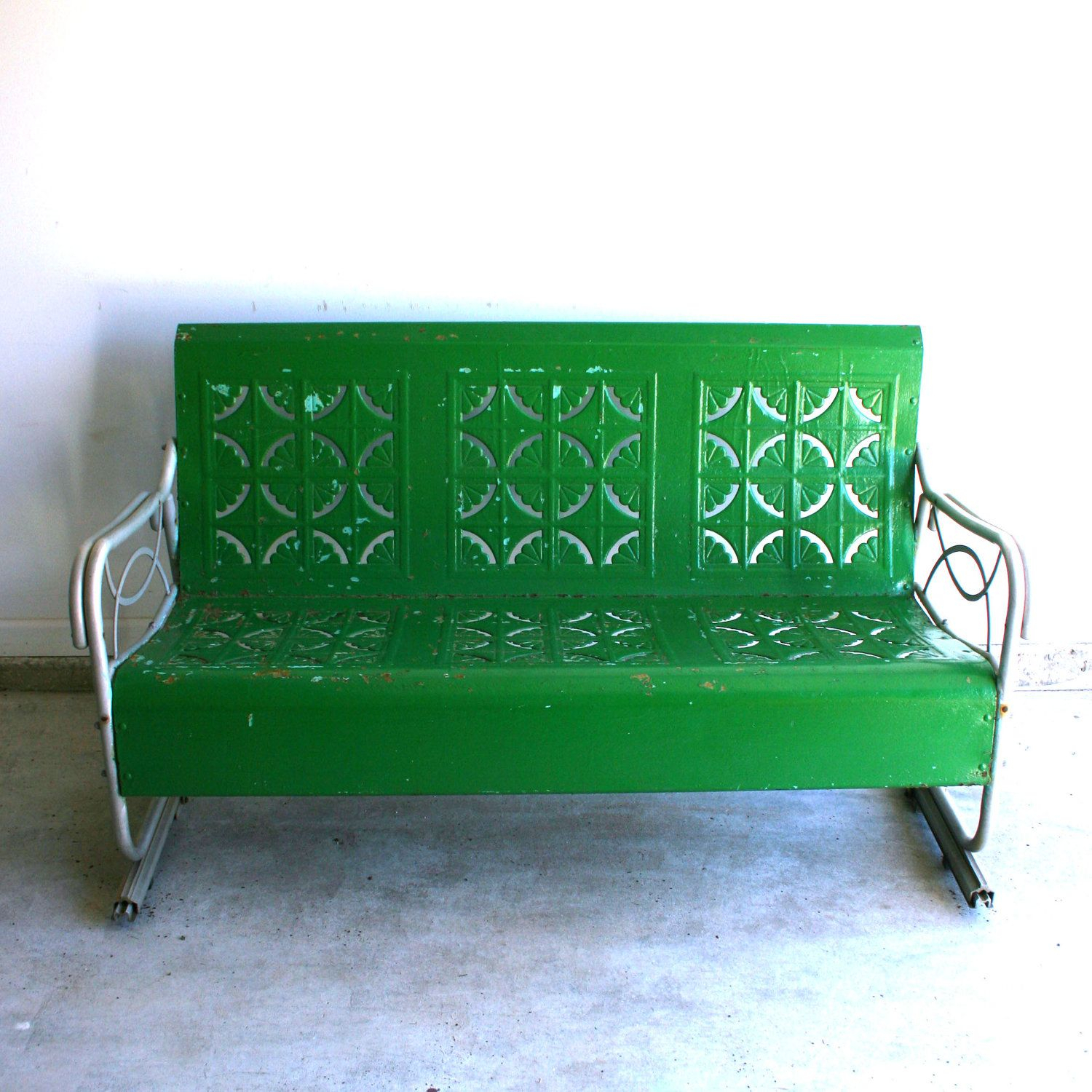 Featured Image of Metal Retro Glider Benches