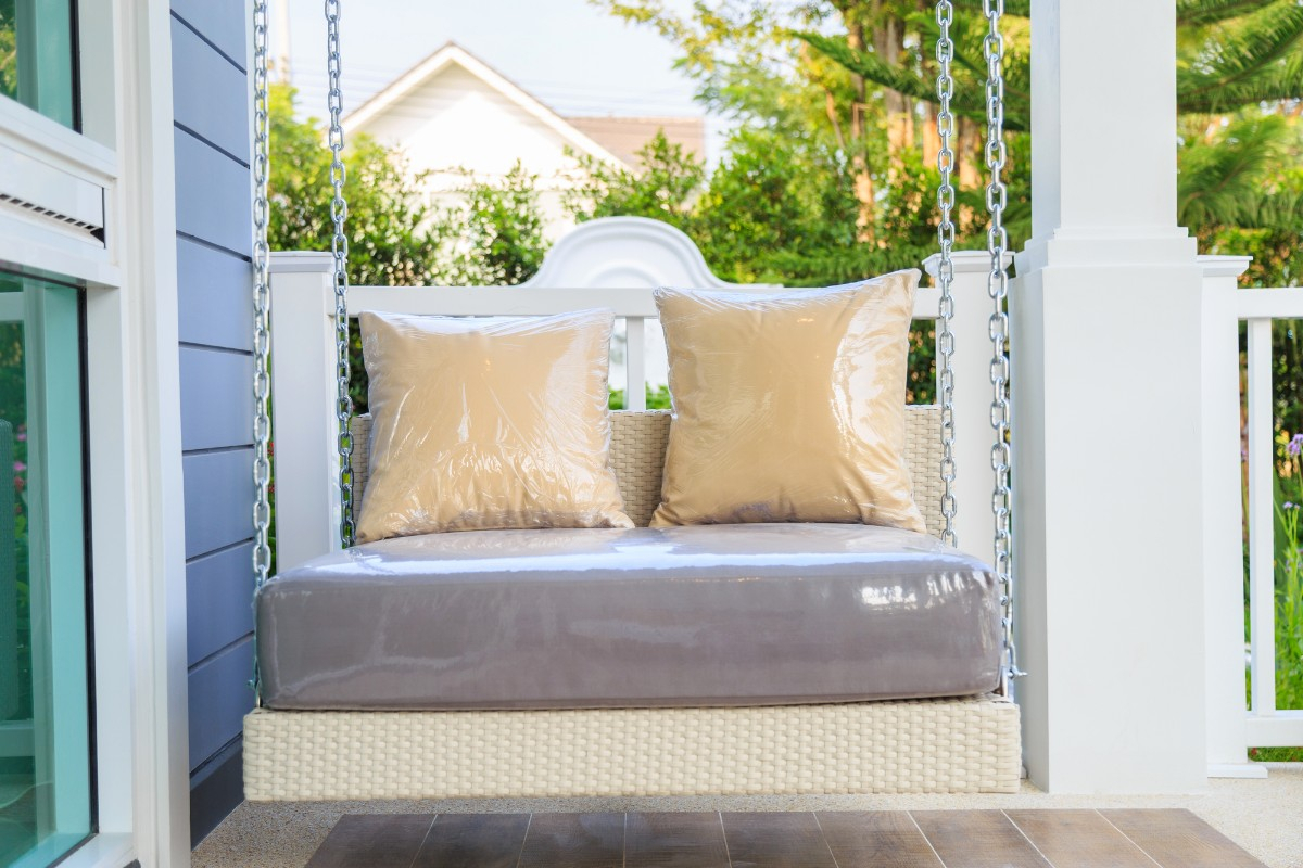 Top 5 Porch Swings For Rest & Relaxation – True Relaxations Regarding Canopy Patio Porch Swings With Pillows And Cup Holders (View 16 of 25)