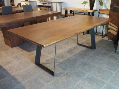 Featured Image of Acacia Dining Tables With Black Victor Legs