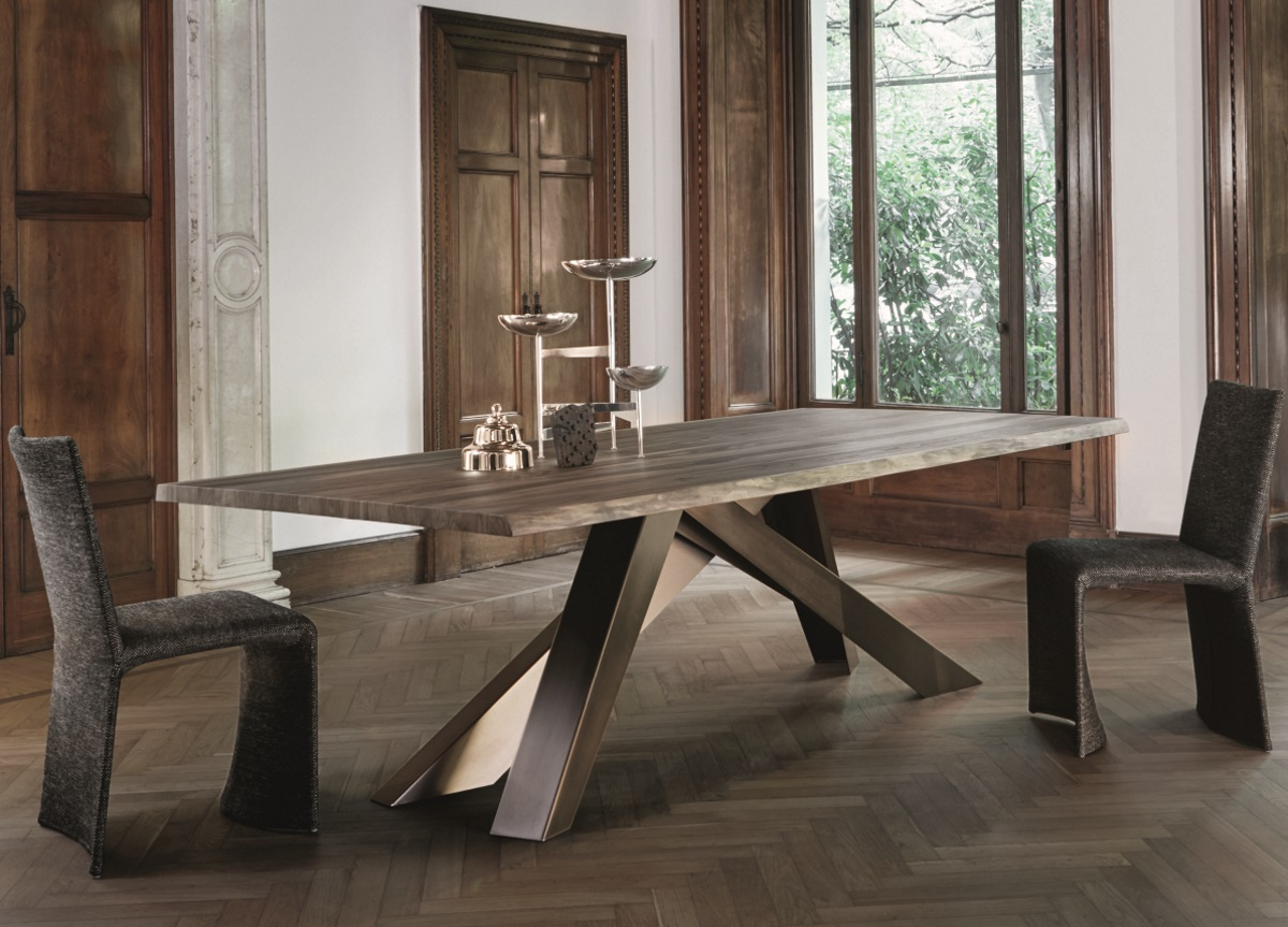 Bonaldo Big Dining Table In American Walnut With Natural Edges Throughout Walnut Solid Wood Garden Benches (View 23 of 25)