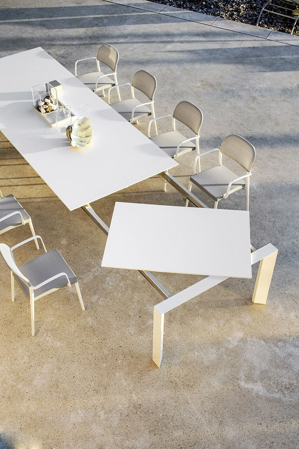 Extendable Dining Table (View 23 of 25)