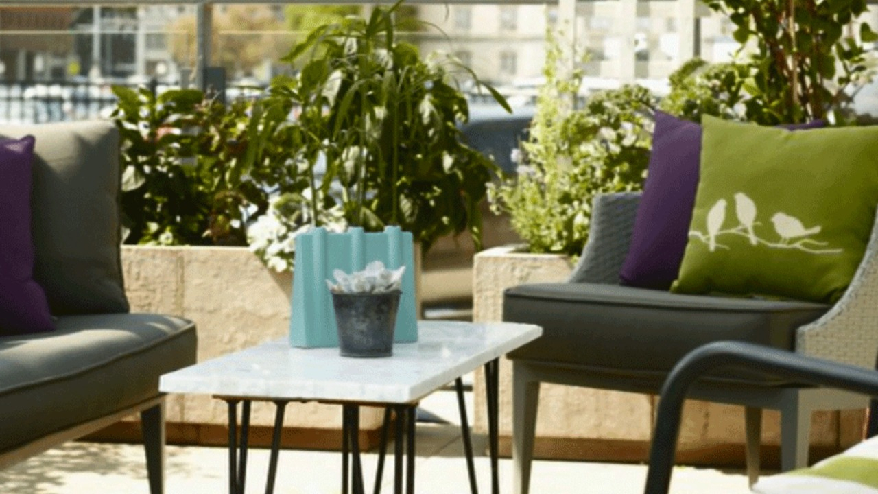 Patio Design Tips With Zev Blue Fish Metal Garden Benches (View 17 of 25)