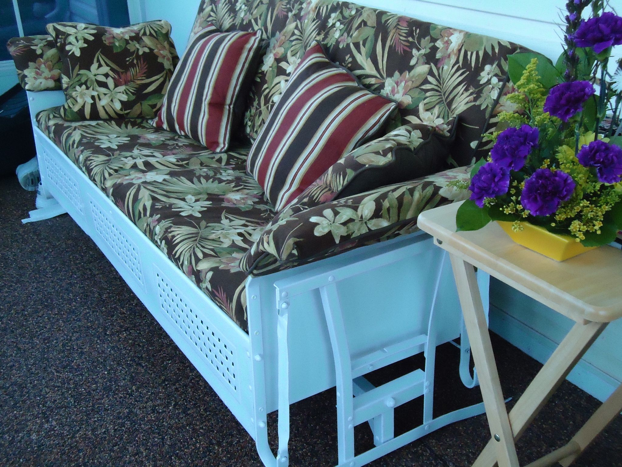 Where To Find Custom Cushions For My Old Metal Glider For Pettit Steel Garden Benches (View 21 of 25)