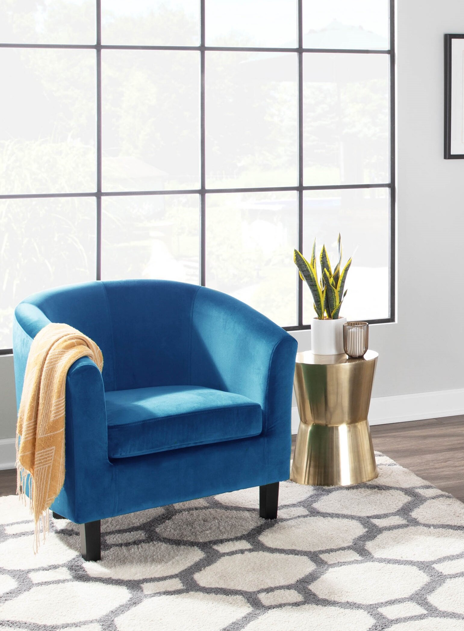 Featured Image of Bronaugh Barrel Chairs