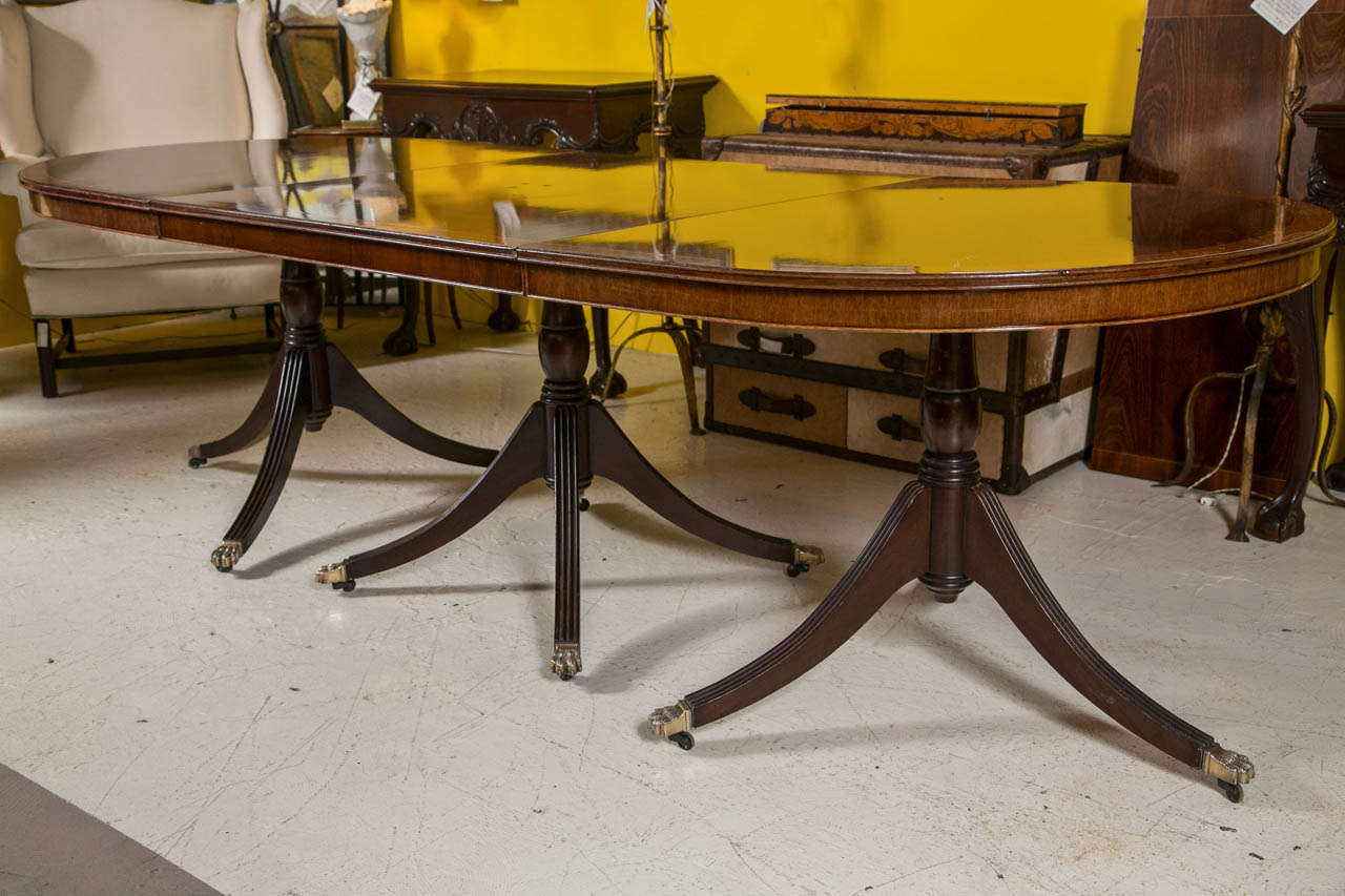 An English Georgian Style Triple Pedestal Banded Mahogany In Most Recent 47'' Pedestal Dining Tables (View 14 of 15)