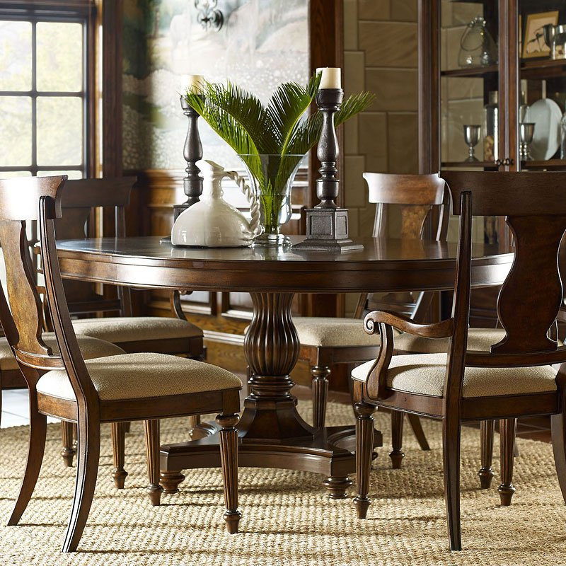 Featured Image of Classic Dining Tables