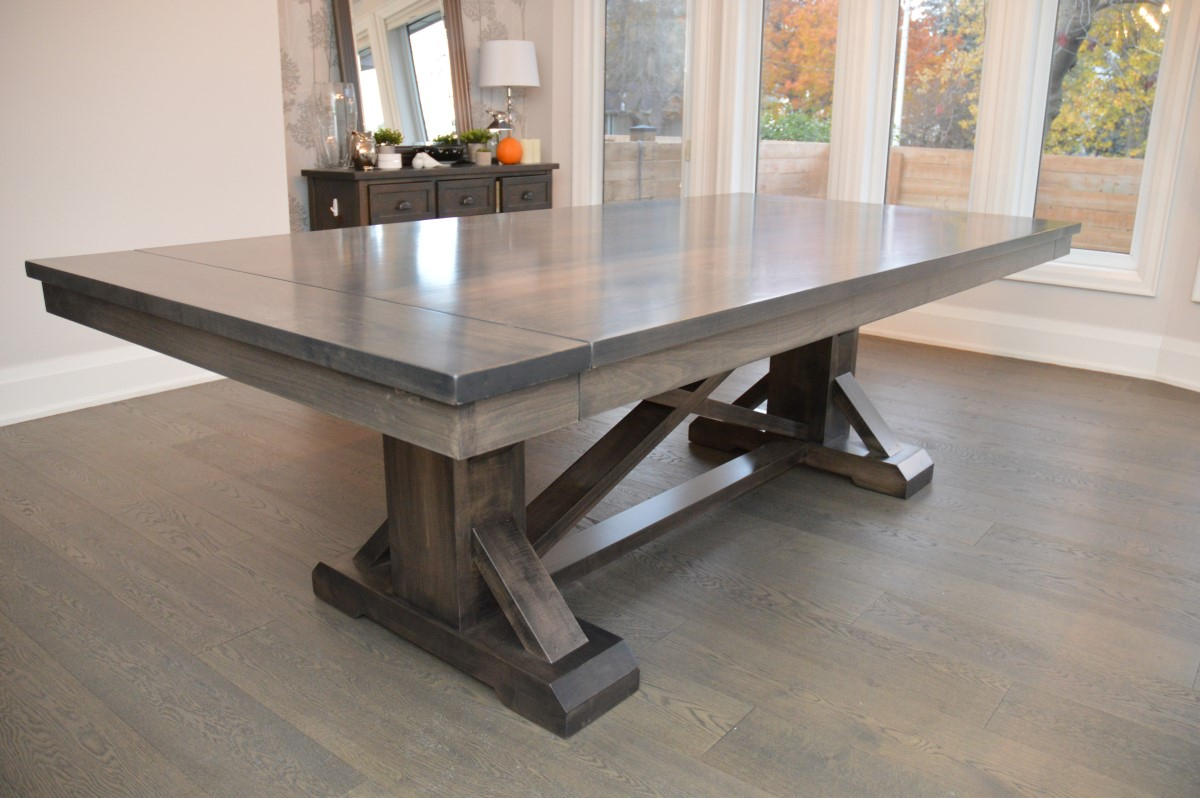 Featured Image of Serrato Pedestal Dining Tables