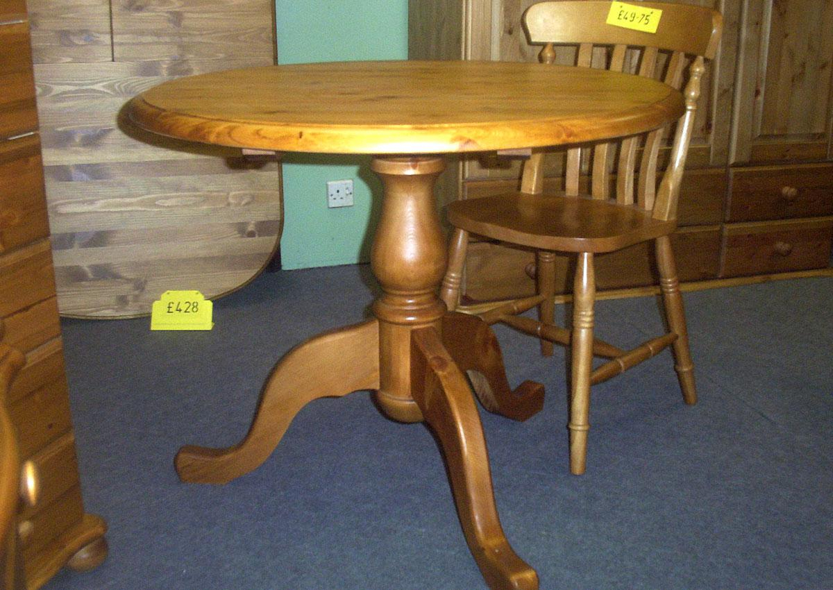 Round Pine Pedestal Tables With Most Up To Date Finkelstein Pine Solid Wood Pedestal Dining Tables (Photo 2 of 15)
