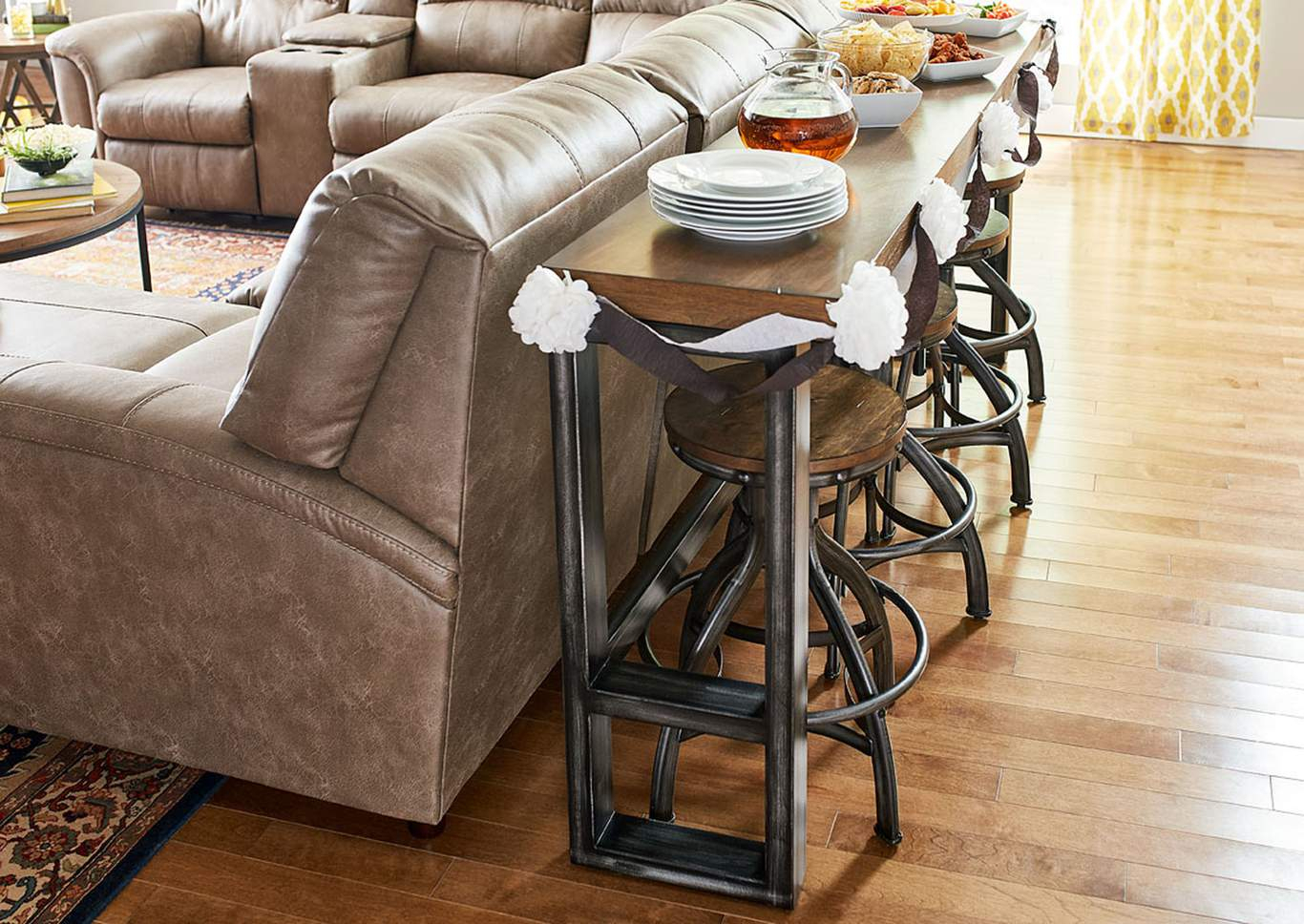 7326 Charleston Sofa Bar Table Pertaining To Charleston Sofas (View 12 of 15)