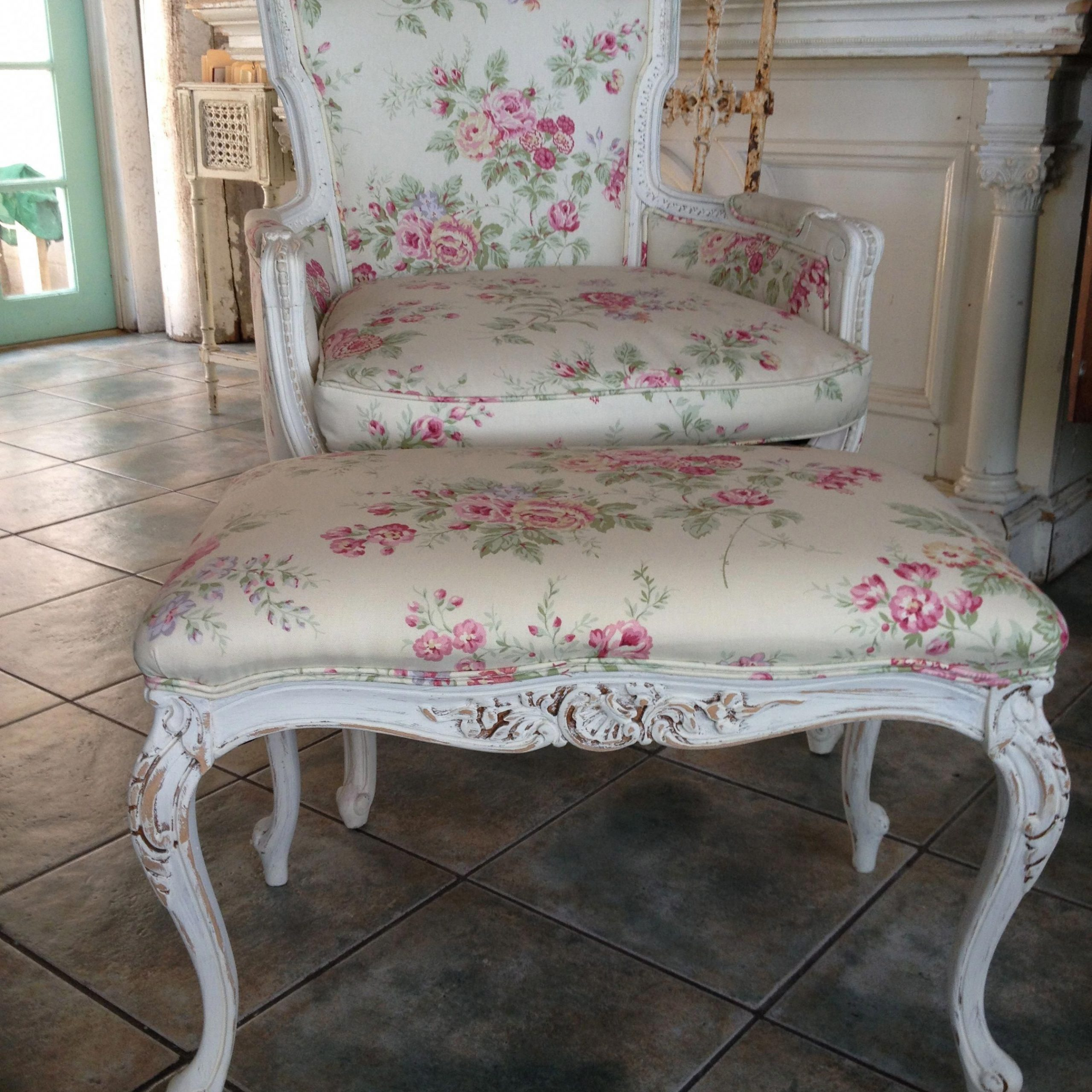 Affable Searched French Country Shabby Chic Home Offer With Regard To Country Cottage Sofas And Chairs (View 4 of 15)