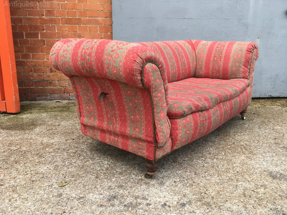 An Antique Drop End Chesterfield Sofa – Antiques Atlas With Vintage Chesterfield Sofas (View 11 of 15)