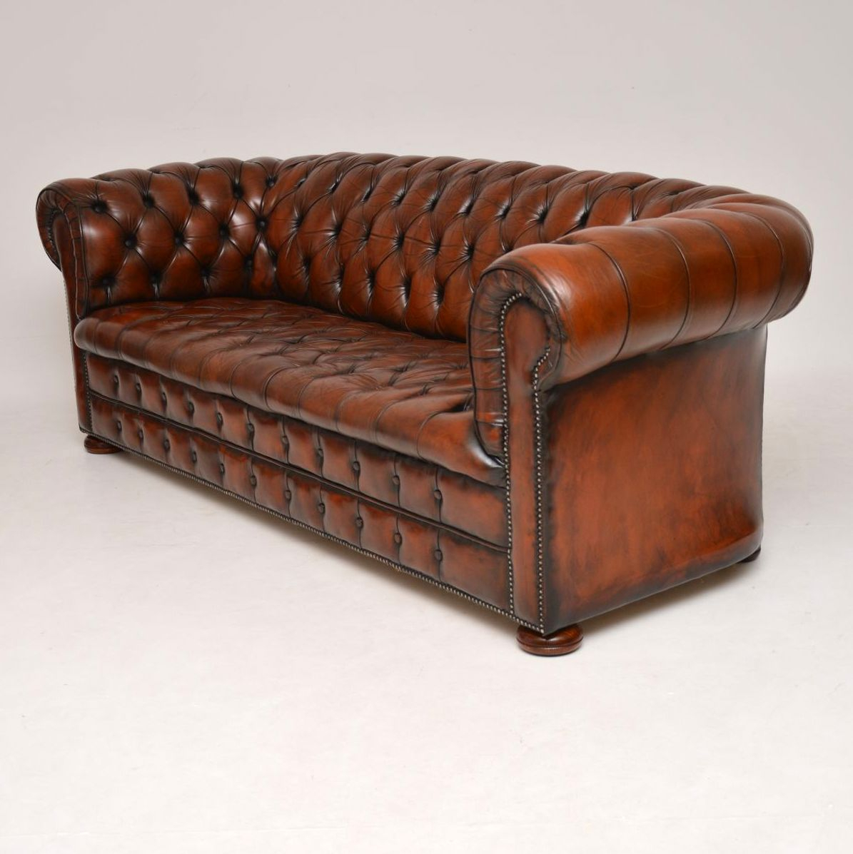 Antique Victorian Style Deep Buttoned Leather Chesterfield With Regard To Vintage Chesterfield Sofas (View 3 of 15)