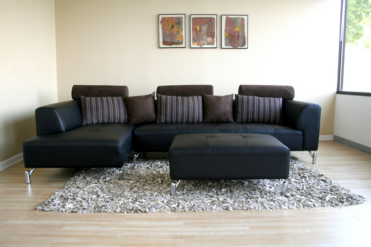 Beautiful And Elegant Sofa With Black Design Throughout Elegant Sectional Sofas (View 10 of 15)