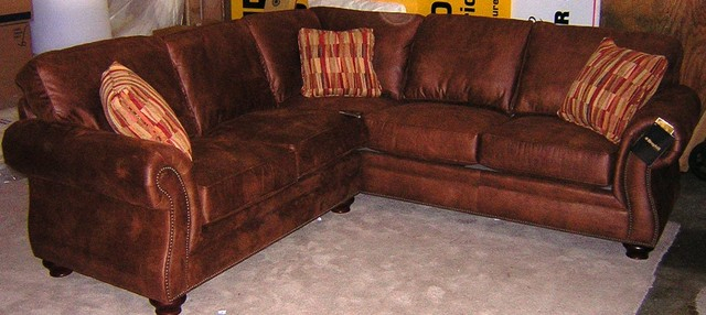 Broyhill Laramie Sectional – Traditional – Sectional Sofas With Regard To Broyhill Sectional Sofas (Photo 14 of 15)