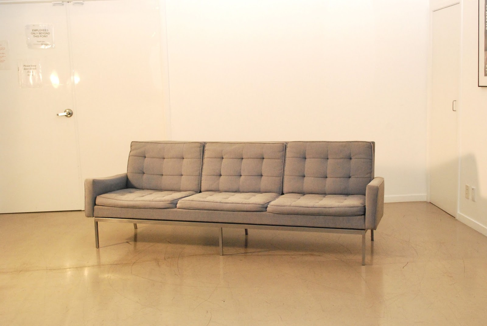 Classic Design: Before & After: Vintage Florence Knoll Sofa With Florence Knoll Style Sofas (View 10 of 15)