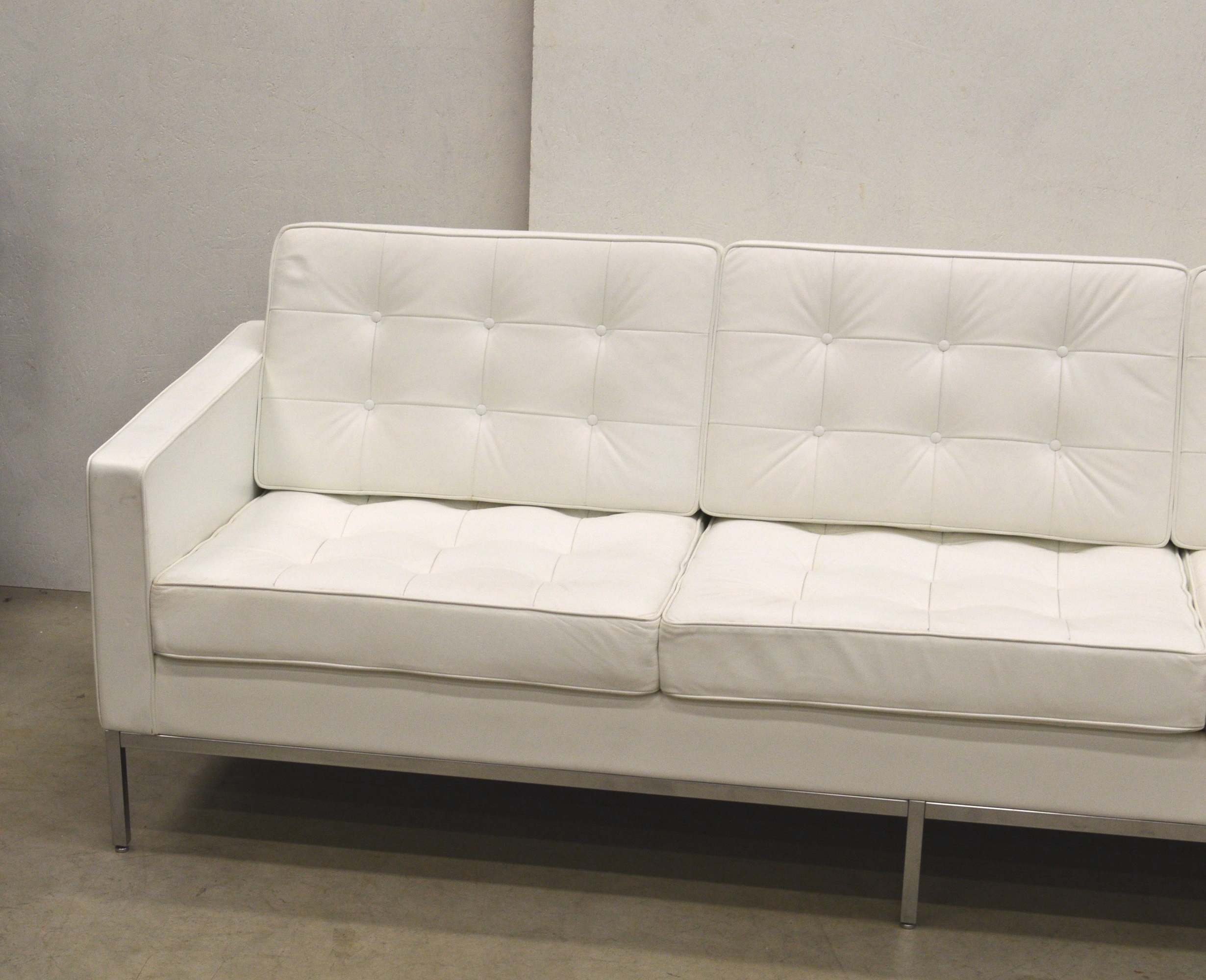 Florence Knoll Relax White Leather Sofaknoll Inside Florence Knoll Leather Sofas (View 1 of 15)