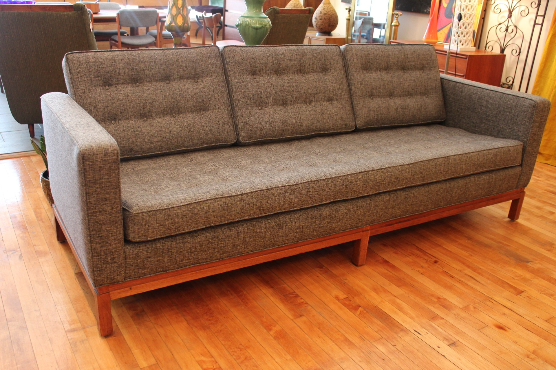 Florence Knoll Sofa Intended For Florence Knoll Living Room Sofas (View 14 of 15)