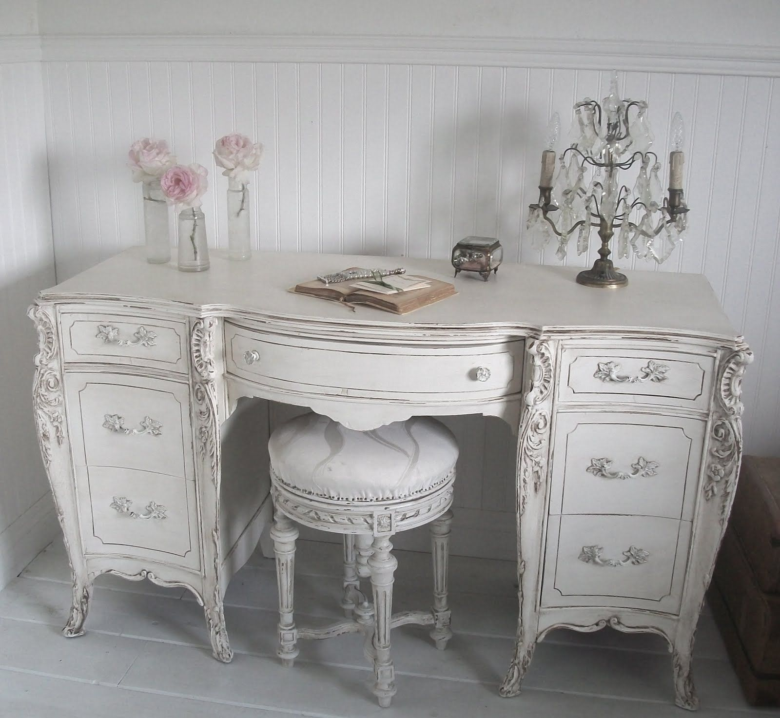 Full Bloom Cottage: French Furniture   Shabby Chic Within Shabby Chic Sofas (View 6 of 15)