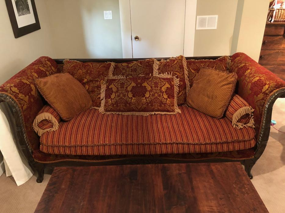 Gorgeous Oversized Chintz Sofa Victoria City, Victoria Intended For Chintz Sofas (View 1 of 15)