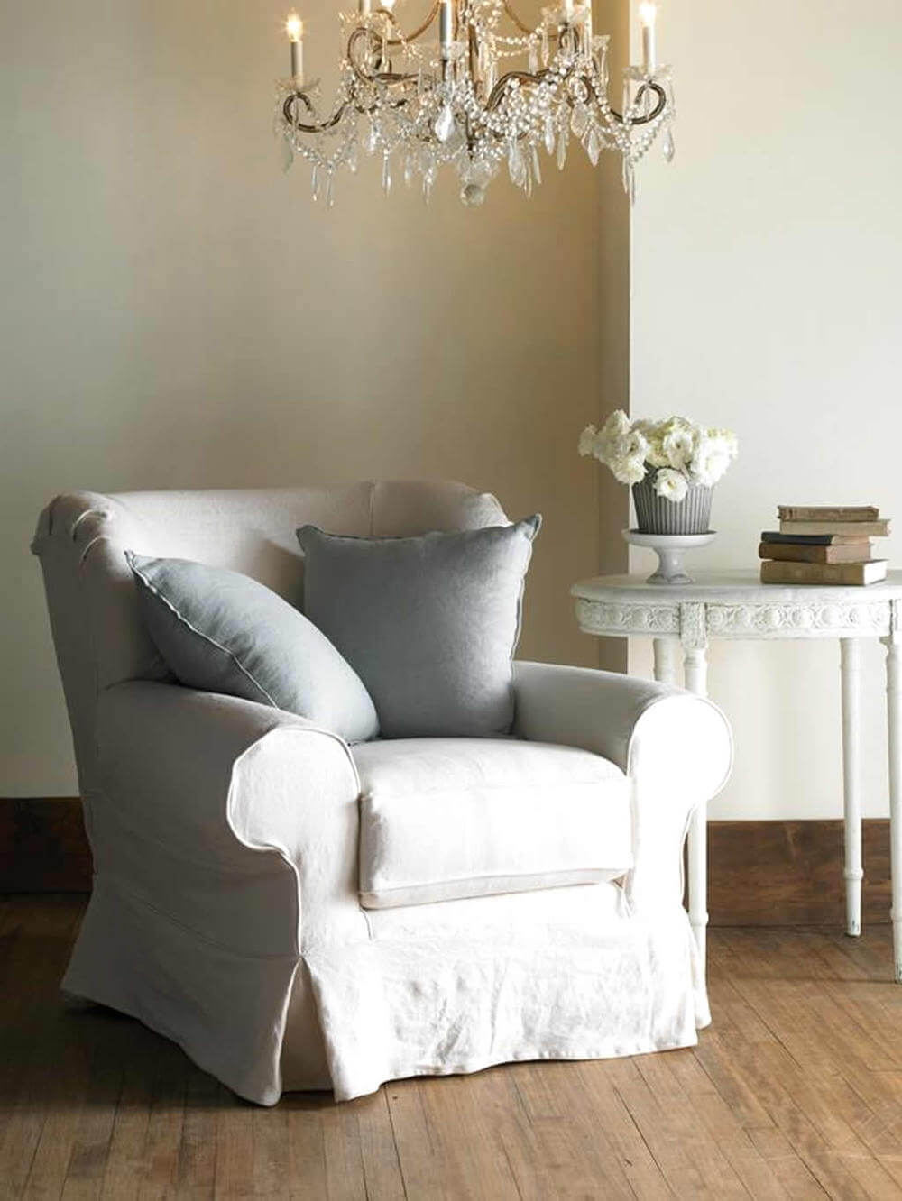 How To Welcome Shabby Chic Decor In Your Home   Interior Pertaining To Shabby Chic Sofas (View 12 of 15)