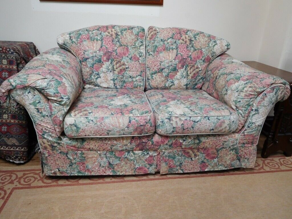 Lovely 2 Seat Cottage Style Sofa Free! For Collection With Regard To Cottage Style Sofas And Chairs (View 5 of 15)