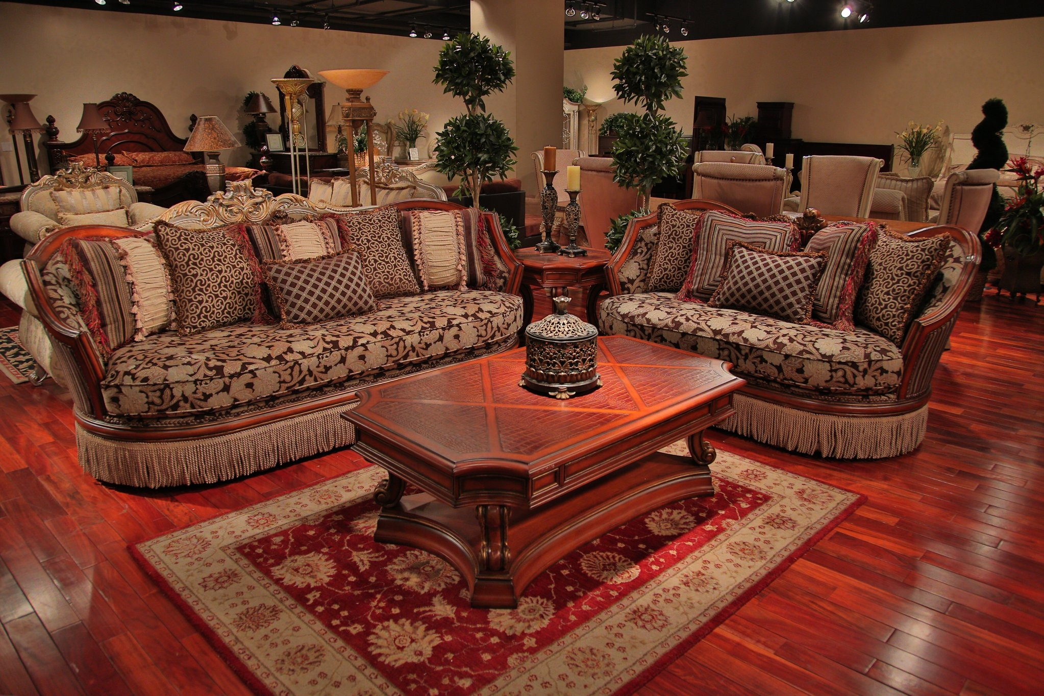 Luxury Sofa Set – Traditional Floral Print Sofa With Pertaining To Floral Sofas And Chairs (View 13 of 15)