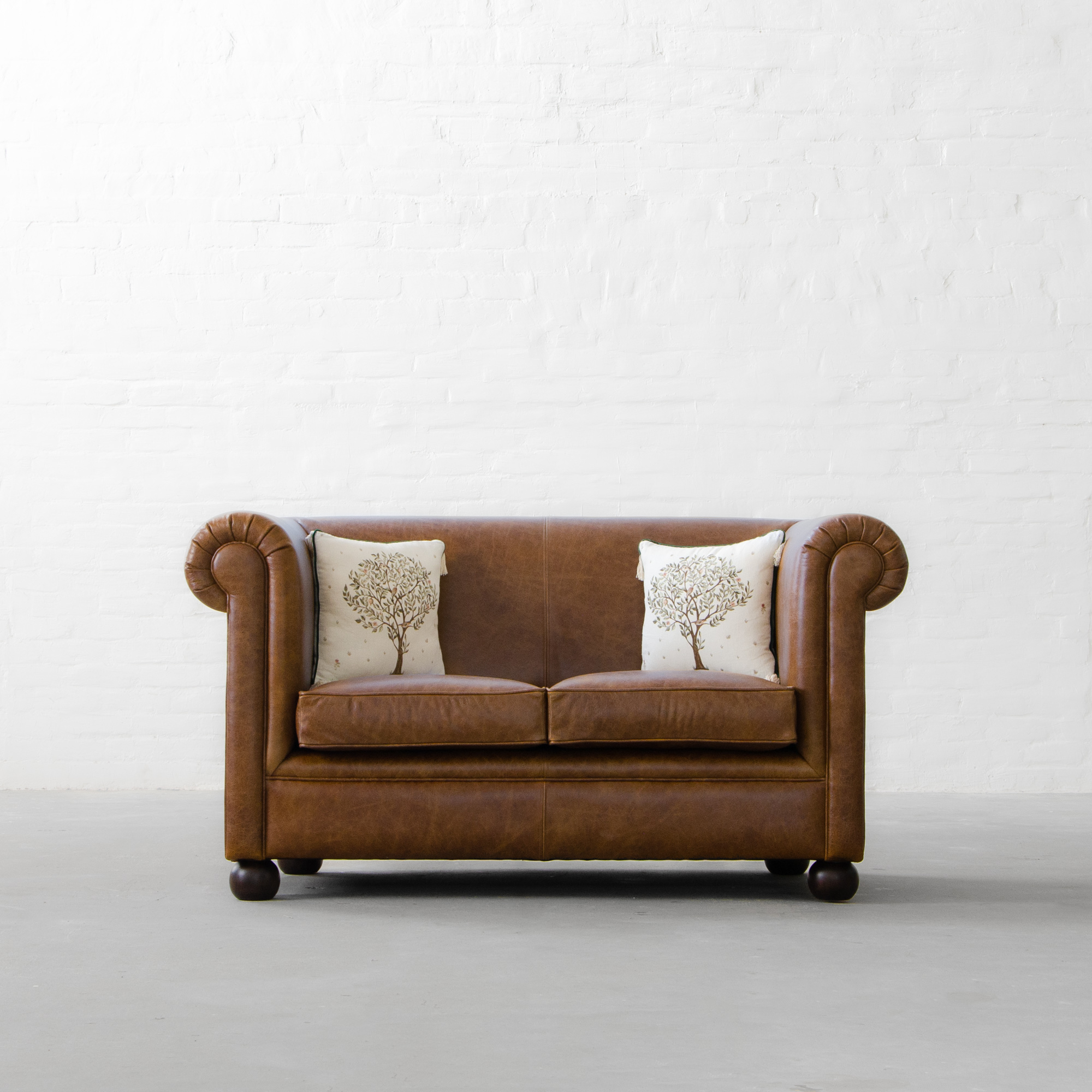 Oxford Chesterfield Leather Sofa Collection Inside Oxford Sofas (View 4 of 15)