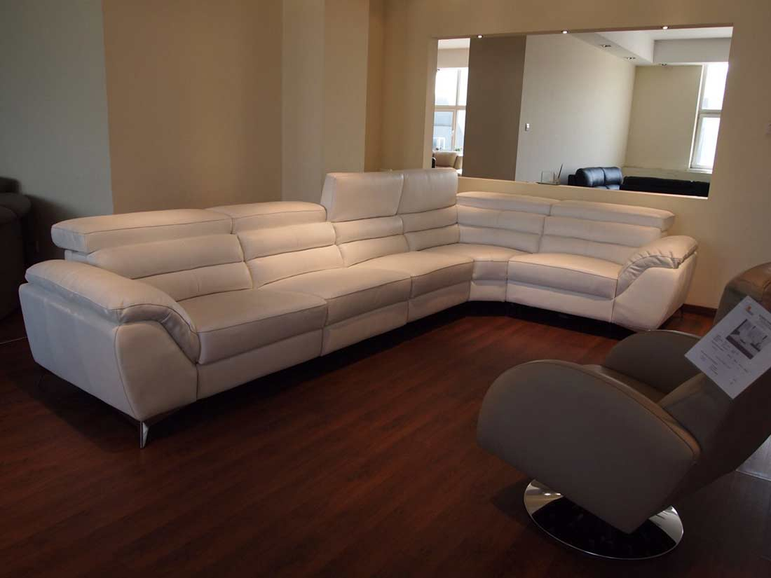 Recliner Sectional Sofa F32   Leather Sectionals With Regard To Sectional Sofas (View 6 of 15)