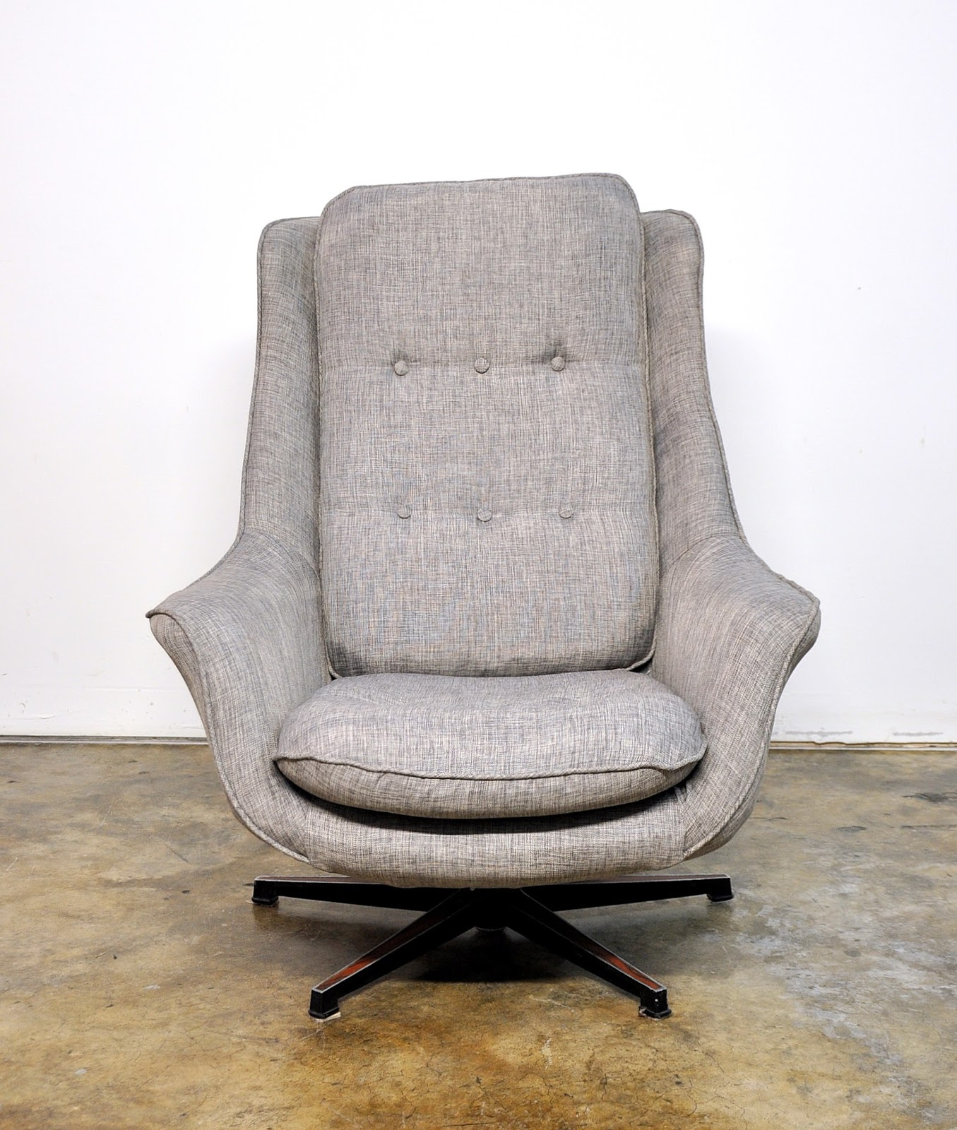 Select Modern: Mid Century Swivel Lounge Chair Within Swivel Sofa Chairs (View 11 of 15)