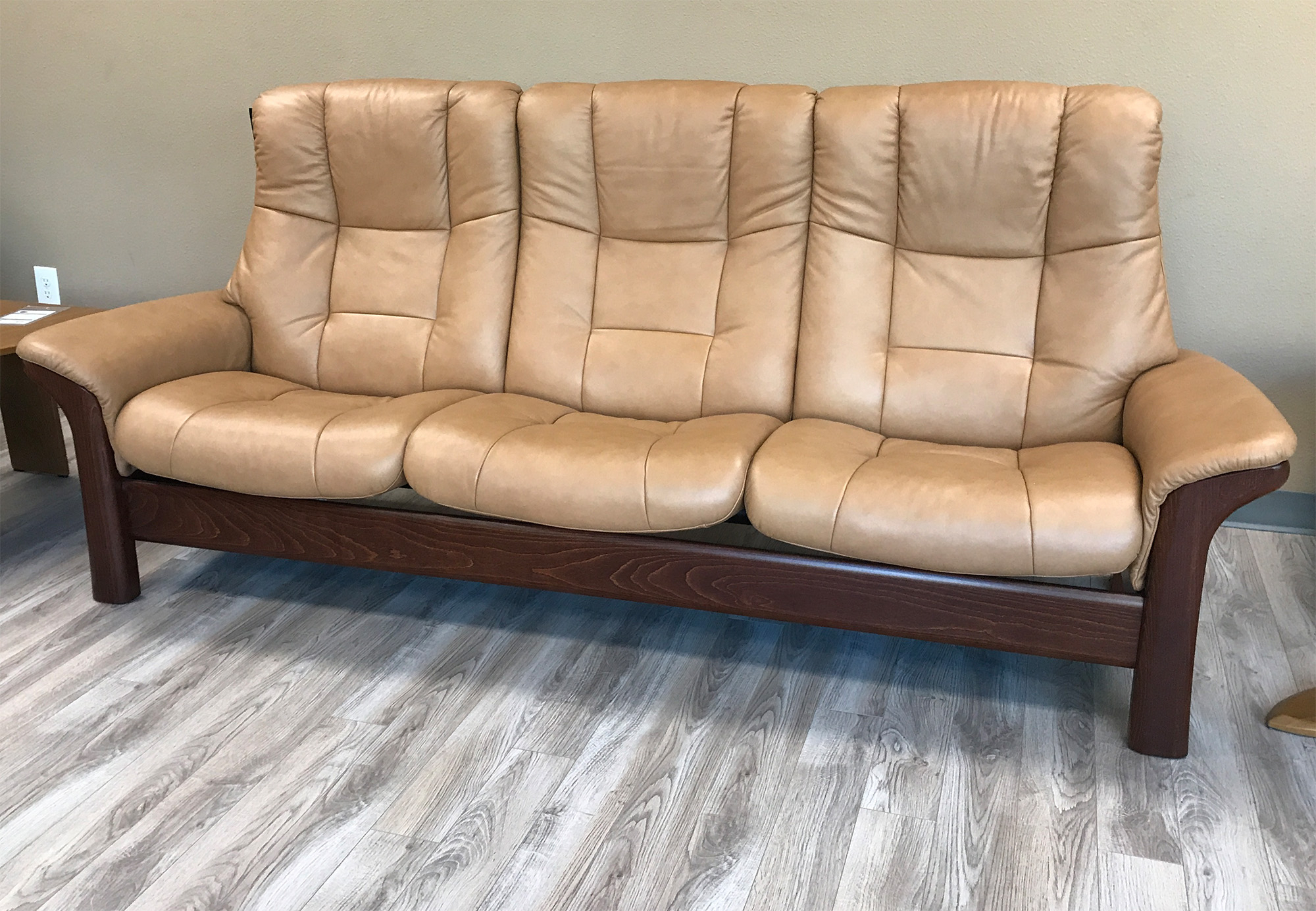Stressless Buckingham 3 Seat High Back Sofa Paloma Taupe For High Back Sofas And Chairs (View 8 of 15)