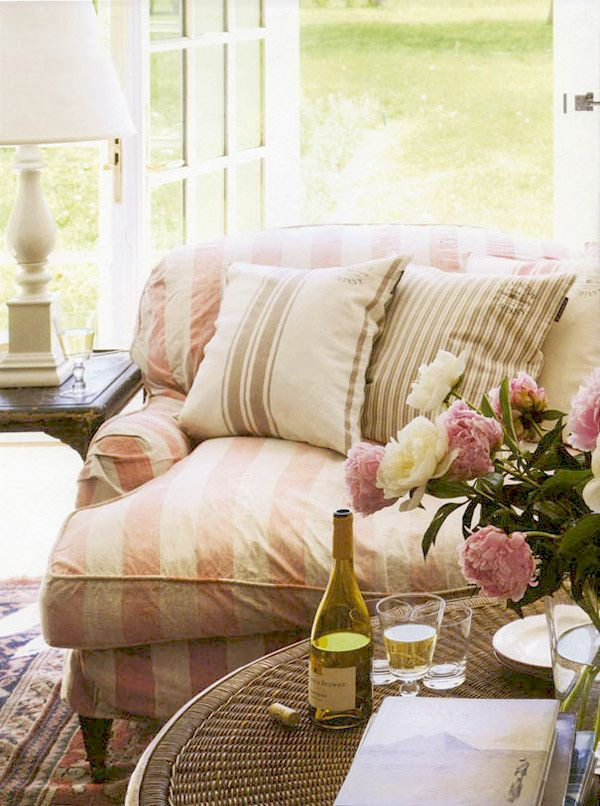 Take Five: A Breath Of Fresh Cottage Style – The Cottage With Regard To Country Cottage Sofas And Chairs (View 5 of 15)
