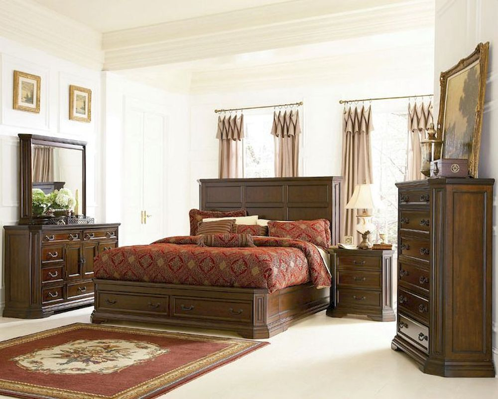 Traditional Bedroom Furniture Ideas: Finding Your Style With Bedroom Sofas And Chairs (View 7 of 15)