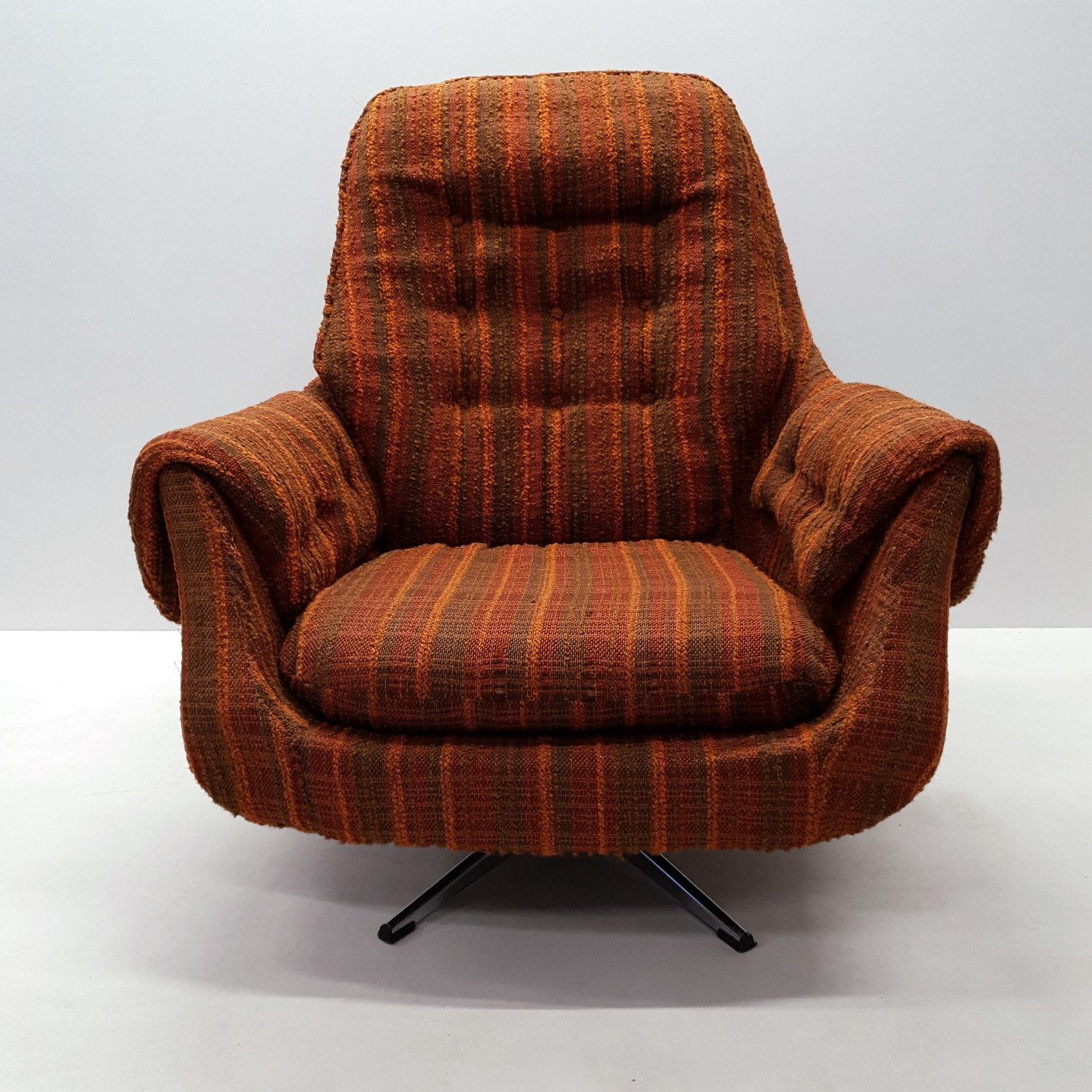 Vintage Lounge Chair Retro Swivel Egg, 1970S – Design Market With Retro Sofas And Chairs (View 6 of 15)