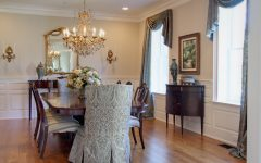 Classic Dining Room With Crystal Chandelier