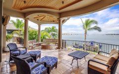 30 Tropical House Design and Decor Ideas