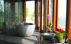 Tropical Bathroom Decoration Ideas