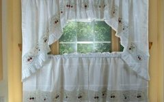 Scroll Leaf 3-Piece Curtain Tier and Valance Sets