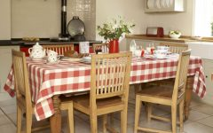 Traditional Dining Room Furniture Decoration in the Kitchen